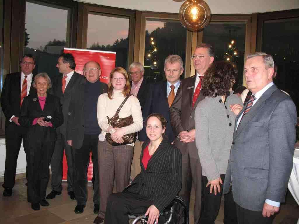 Die gesamte Gruppe der Preisträger und Juroren
