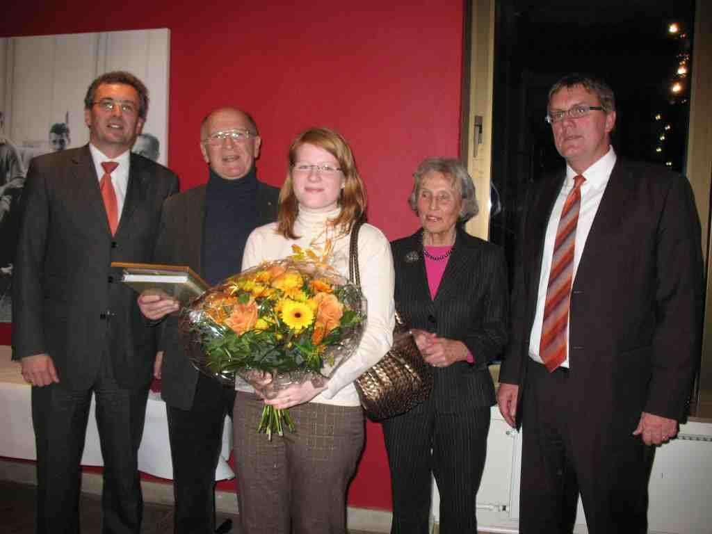 von links: Dr. Klaus Tiedeken, Dr. Rainer Goldammer, Miriam Wezisla (beide VFG), Uta Gräfin Strachwitz, Sebastian Schuster