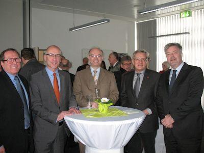 Der 1. Vorsitzende des VFG, Hans-Jürgen Hugenschmidt, mit dem 1. Bürgermeister von Meckenheim, Bert Spilles, dem  1. Stv. Bürgermeister, Michael Sperling, dem Vors. Ausschuss für Schule, Sport und Kultur, Rolf Engelhardt, und Werner Albrecht, Abg. des Kreistages