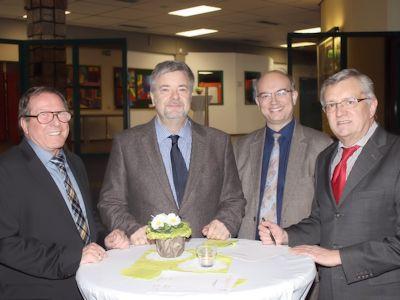 Der 1. Vorsitzende des VFG, Hans-Jürgen Hugenschmidt, mit dem 1. Stv. Bürgermeister von Meckenheim, Michael Sperling, dem Vors. Ausschuss für Schule, Sport und Kultur, Rolf Engelhardt, und Werner Albrecht, Abg. des Kreistages
