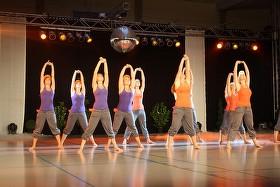 Die Jazz-Dance-Mädchen sorgten für den gelungenen Auftakt der Tanz-Show